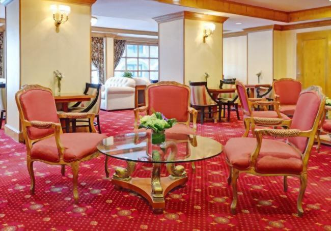 The Club Room is our guests living room where you can meet new friends from around the world.