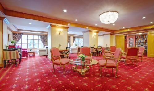The Club Room at the Hotel Elysee is available to all guests.  With a comfortable living room style setting you will feel as if you are visiting relatives.