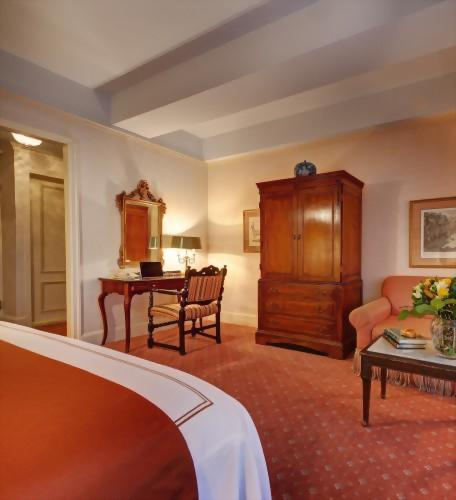 All of our Deluxe King rooms have a work space built in for our corporate travelers.