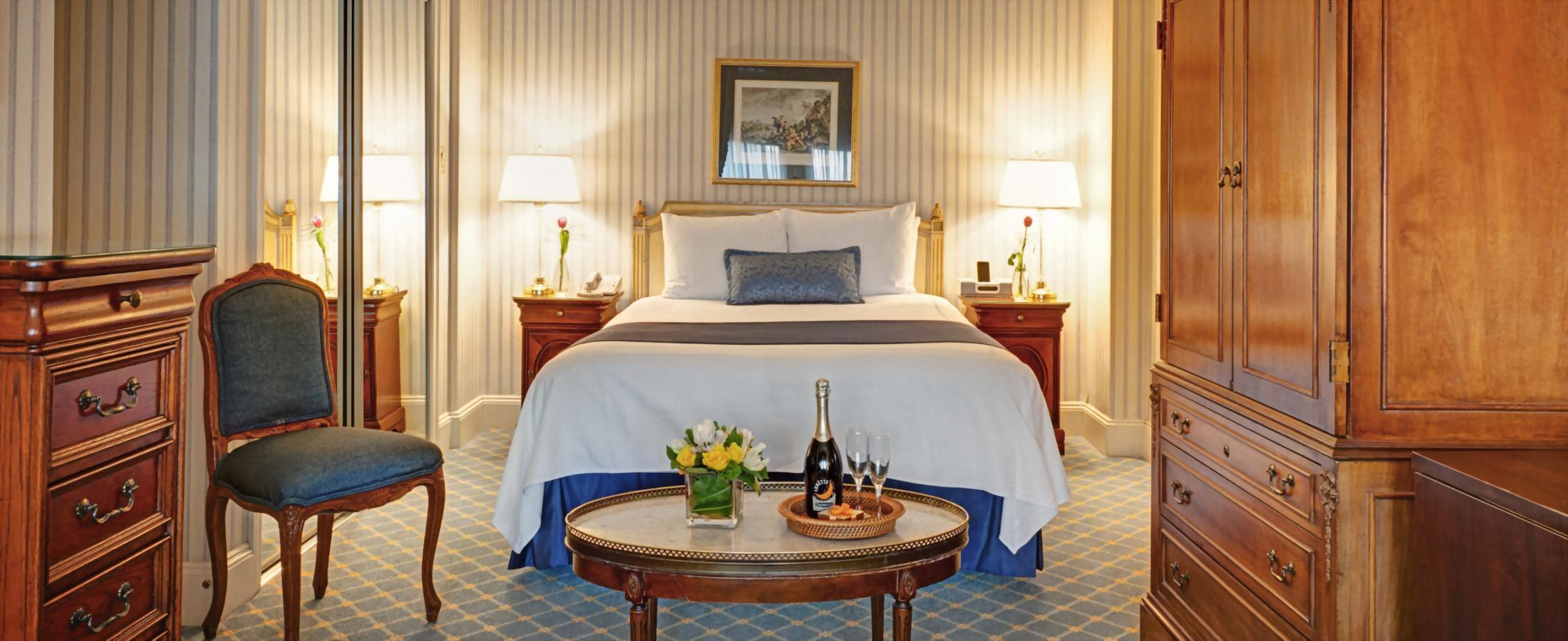 Deluxe Queen Room with 1 Queen Bed at New York City's Hotel Elysee