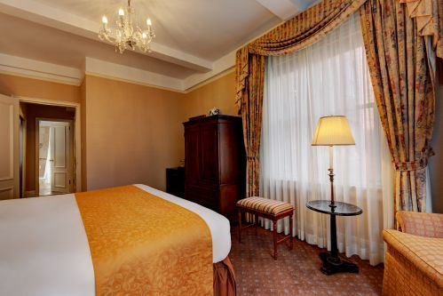 Deluxe King Room at the Hotel Elysee are approximately 300 square feet