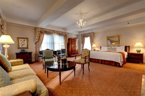 Celebrate a special occasion with a stay in one of our beautiful Junior Suites