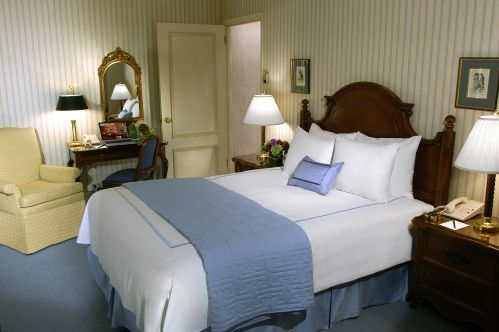 Deluxe Accessible Queen Room is perfect for 1 or 2 guests